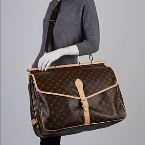 Authentic Louis Vuitton sac Chasse travel hunting